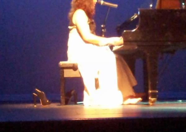 Kate Finkelstein Live 3.jpg