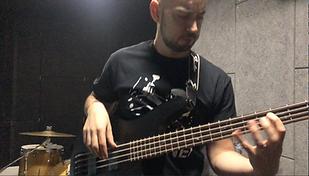 Etienne studio basse.PNG