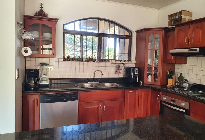 Picutre 6 Kitchen.jpg