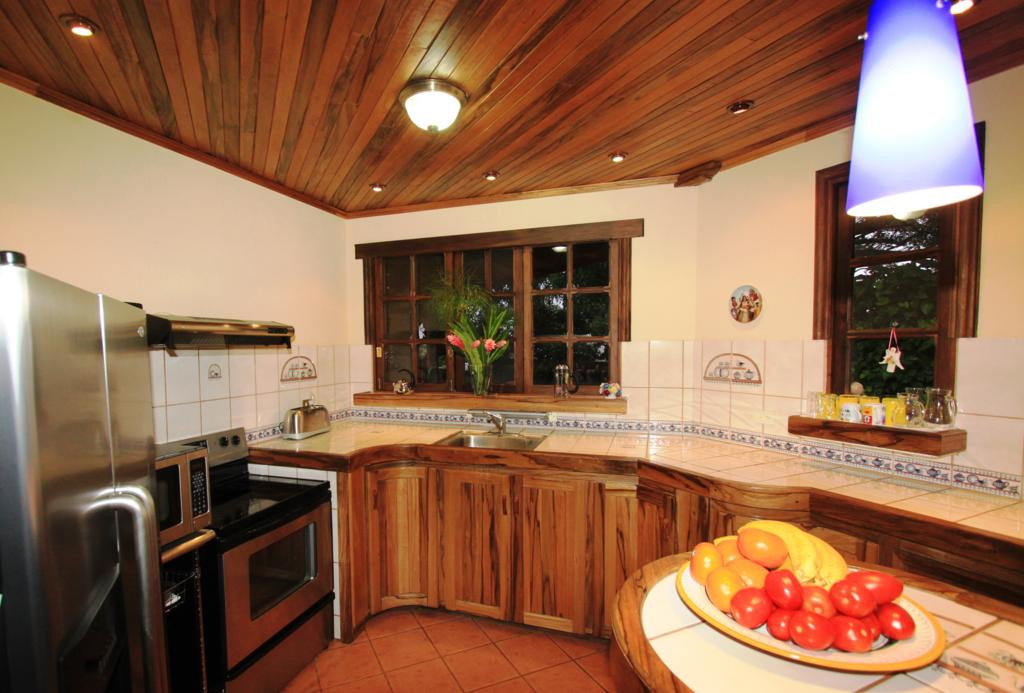 kitchen_0863_1024x693.jpg