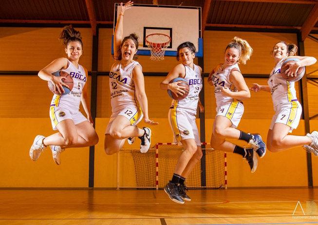 les filles bages basket.jpg