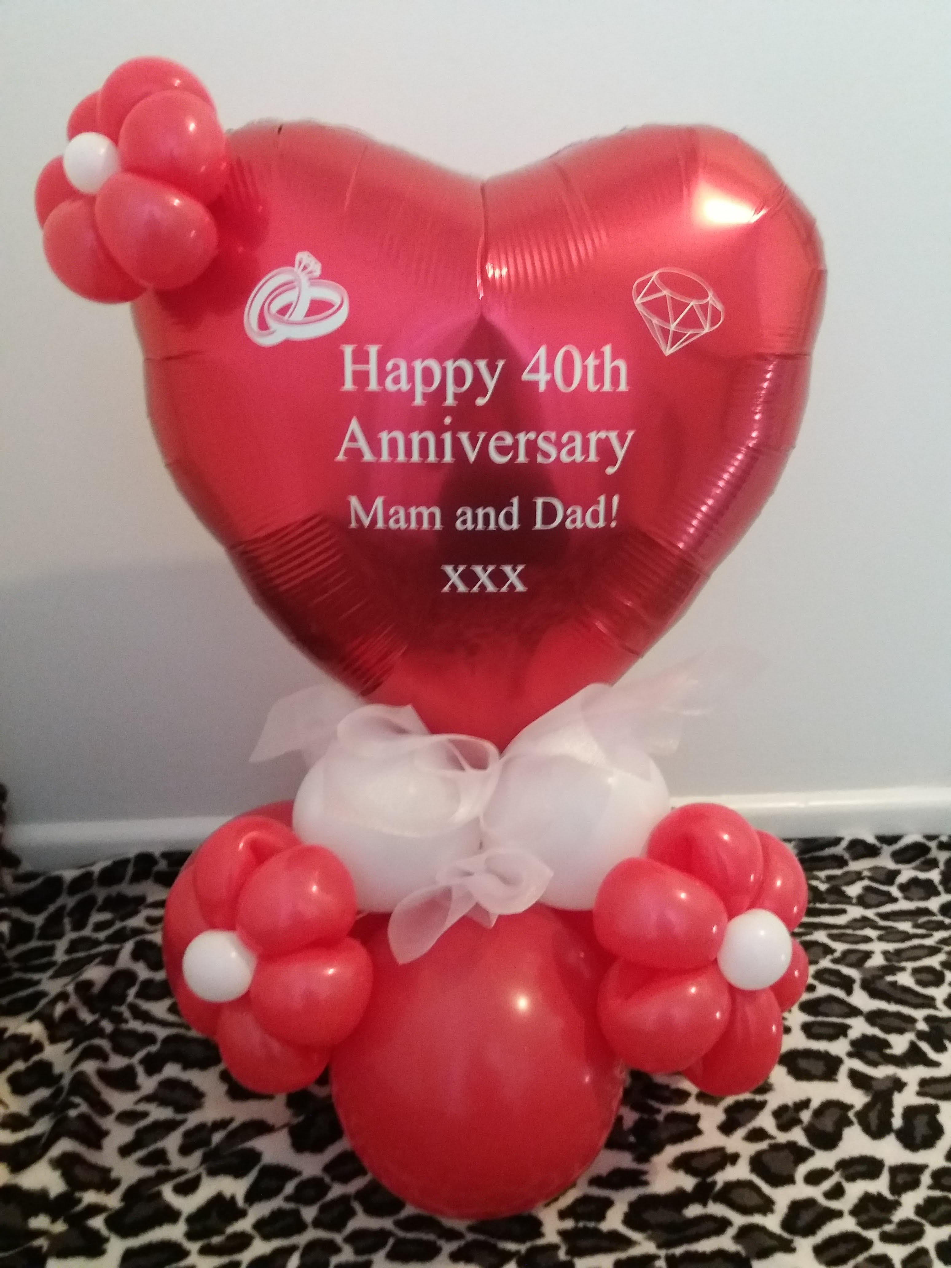 tabletop heart with flowers £12