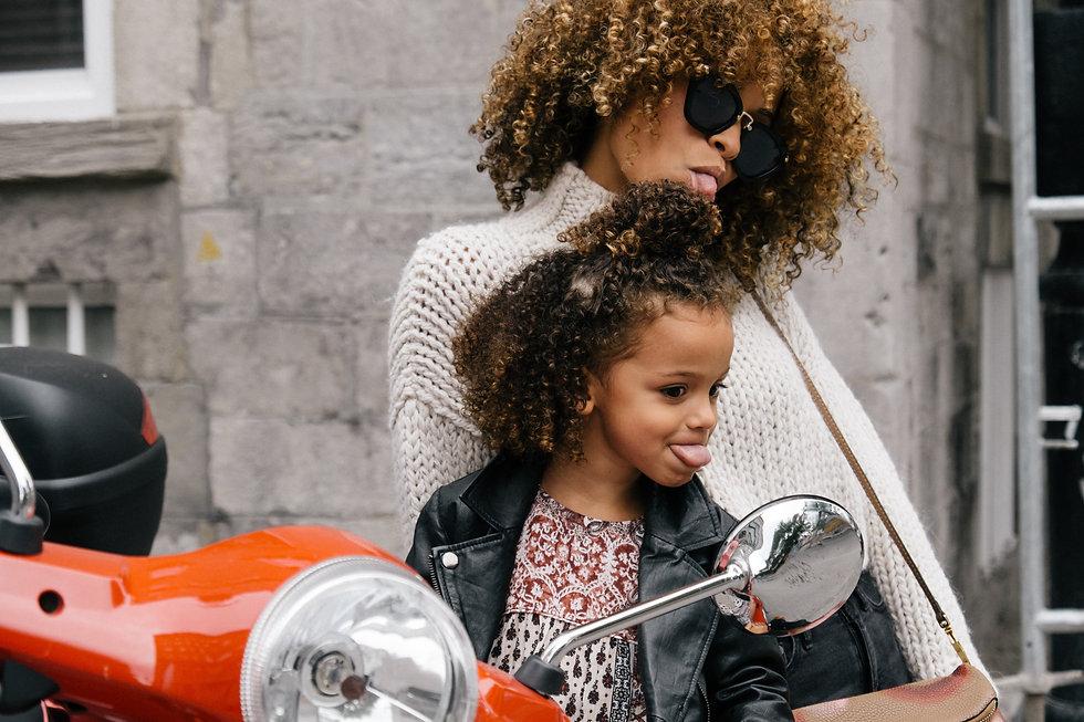 Mère et sa fille_Les P'tites Abeilles