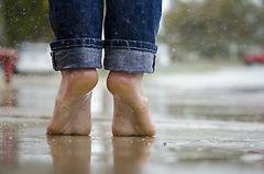 barefoot-1835661_1280.jpg