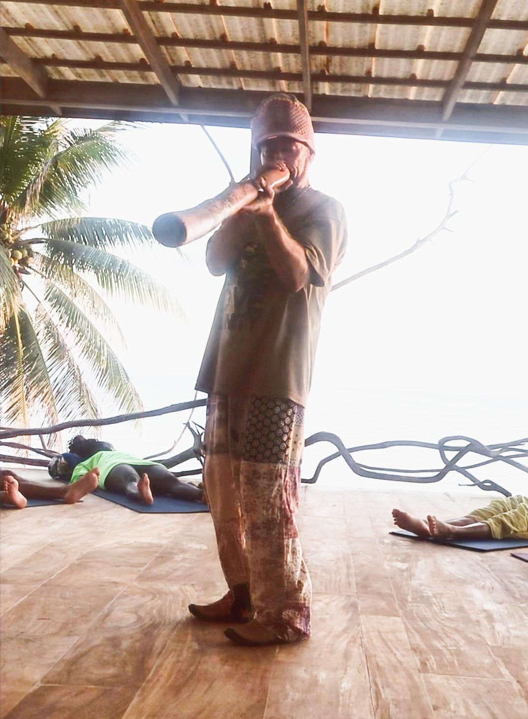 Sound bath healing with Didgeridoo