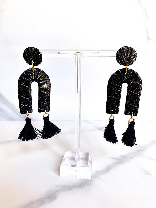 Tula Square Arch Earrings  (black)