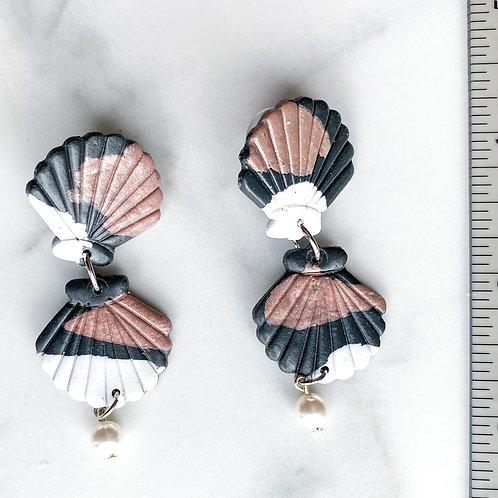 Maori Shells (Madewell print with Pearl)
