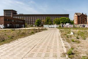 La storia del Funkhaus si ferma nel 1990 con la fine della DDR. Anche in questo caso come in tanti altri riguardanti immobili e attività della ex DDR, c'è stato un susseguirsi di investitori che poi fallivano o non avevano reali progetti da attuare.