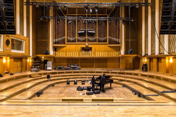 Franz Ehrlich collaborò in fase di progettazione con l'ingegnere Gerhard Probst per gli studi distributivi e acustici. Nonostante i vincoli di tempo e le limitate risorse finanziarie, i costruttori sono riusciti a realizzare un edificio acusticamente perfetto, che continua ad attrarre musicisti e orchestre provenienti da tutto il mondo negli studi di registrazione di Nalepastraße. L'edificio è ancora oggi considerato, nel suo genere, il più grande complesso di studi al mondo. Qui nel 2017 i Depeche Mode qui hanno teneuto un loro concerto.