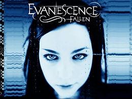 EvanescenceのAmyがメジャーデュー曲Bring Me To Lifeについて色々と問題があった事を発言。