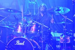 メンバーはデンマークのデスメタルバンドから。