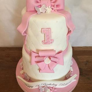 2 Tier 1st Birthday Cake #sugarcakes #su