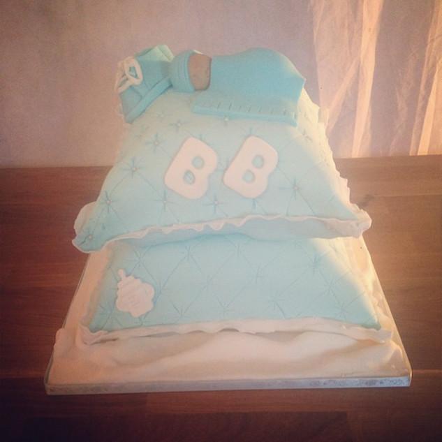 Pillow babyshower cake #sugarcakesco #su