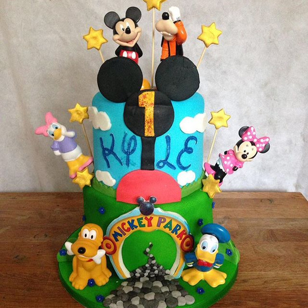 Mickey Mouse Clubhouse 2 tier cake #suga