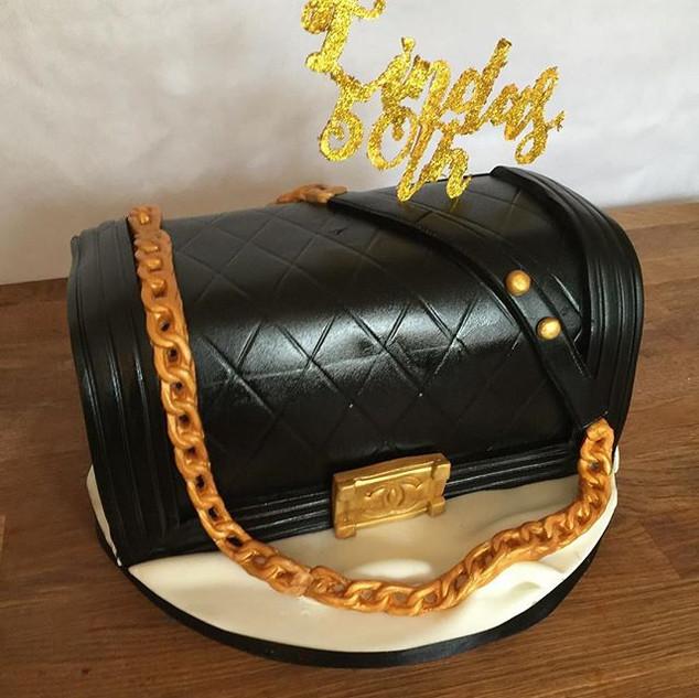 Chan Bag Cake #sugarcakes #sugarcakesco #chanelcake #bagcake #handbagcake