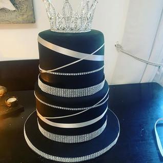 Black & Silver Two Tier Cake #sugarcakes