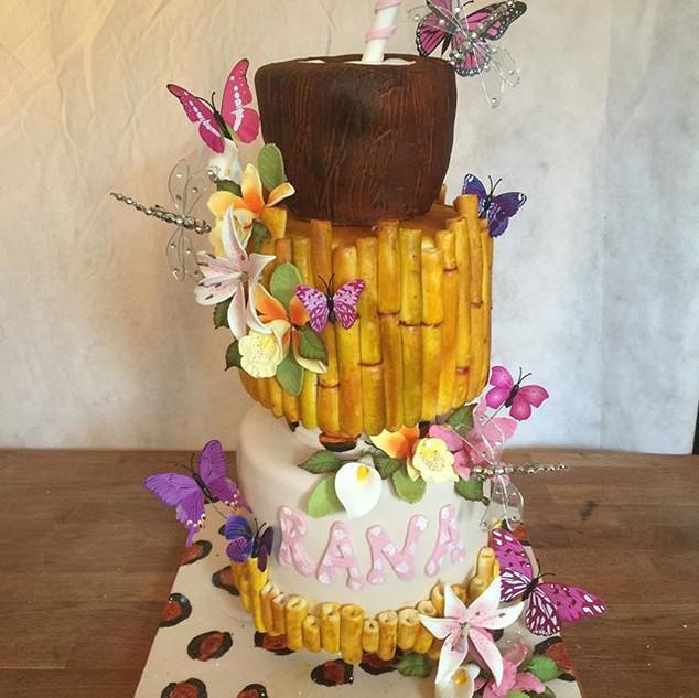 Hawaiian theme Cake. #sugarcakesco #suga
