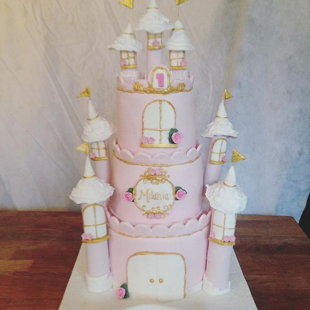 Castle Cake #sugarcakesco #sugarcakes #c