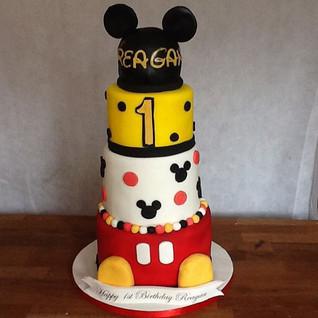 Mickey 4 tier cake #sugarcakes #sugarcak