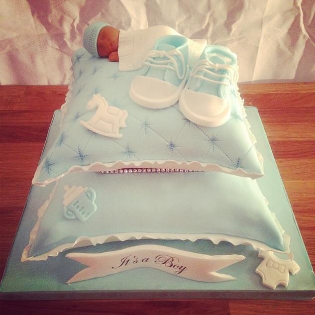 Baby shower pillow cake  #sugarcakesco #