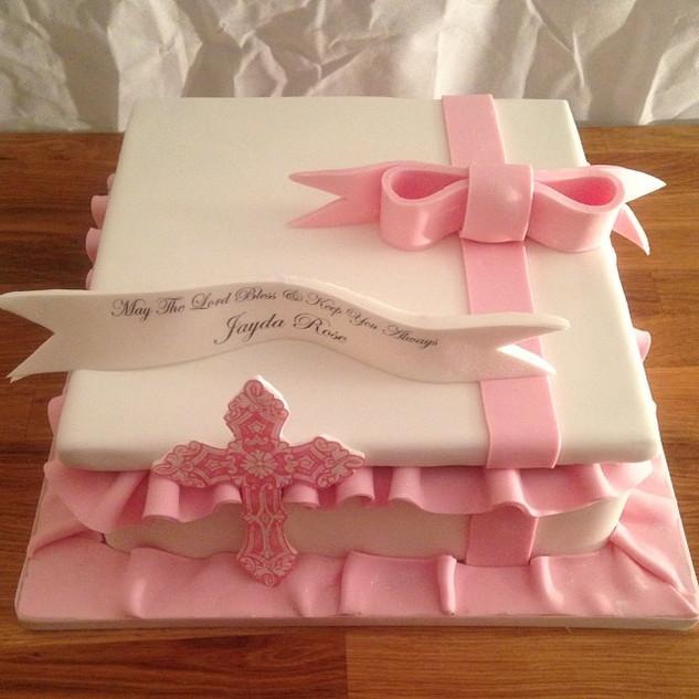 Gift box Christening cake #sugarcakesco