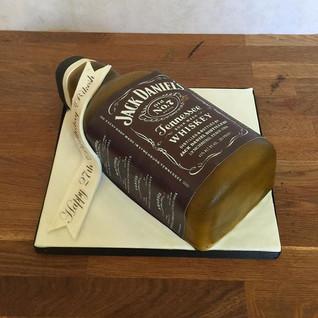 Jack Daniels bottle cake #sugarcakesco #