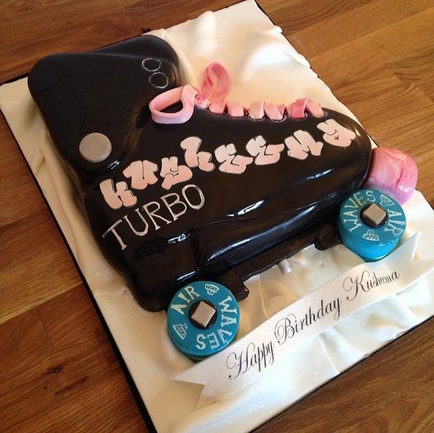 Roller Skates Cake #sugarcakesco #sugarc