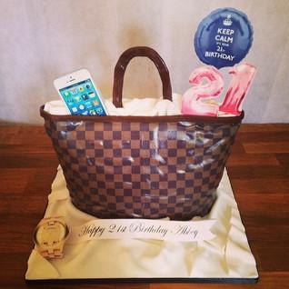 Lv Bag cake #sugarcakesco #sugarcakes #c
