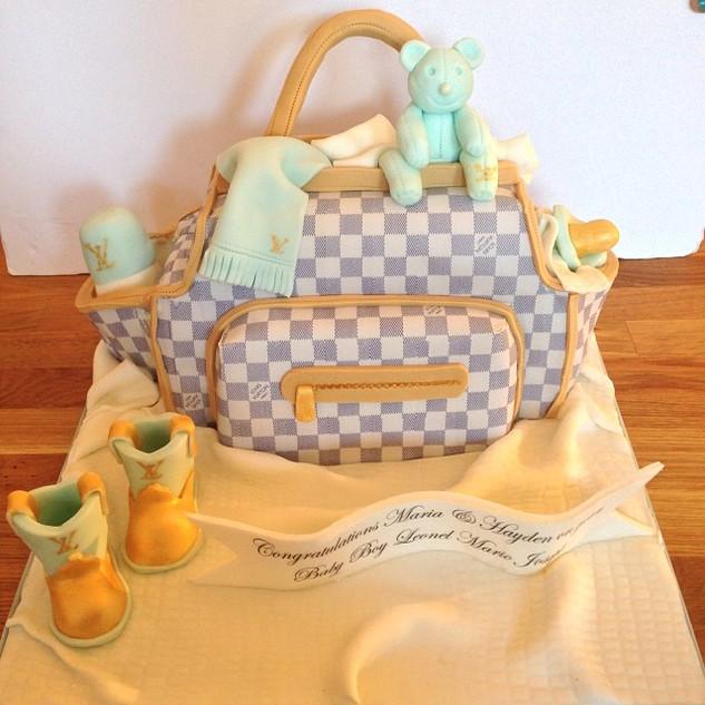 Louis Vuitton Baby Bag Cake #sugarcakes