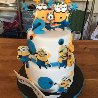 Minion cake #sugarcakesco #sugarcakes #b