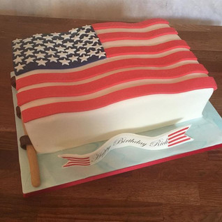 American flag cake #sugarcakesco #cakes