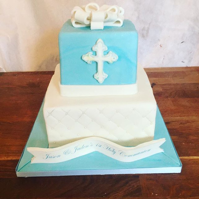 2 Tier Holy Communion Cake #sugarcakesco
