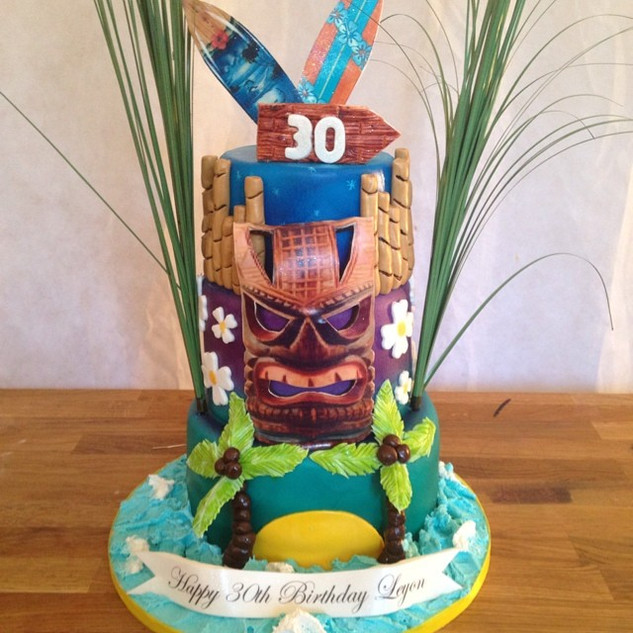 Haiwaian theme cake #sugarcakesco #sugar