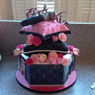 Cake for Lil Kim & Eve #sugarcakes #suga