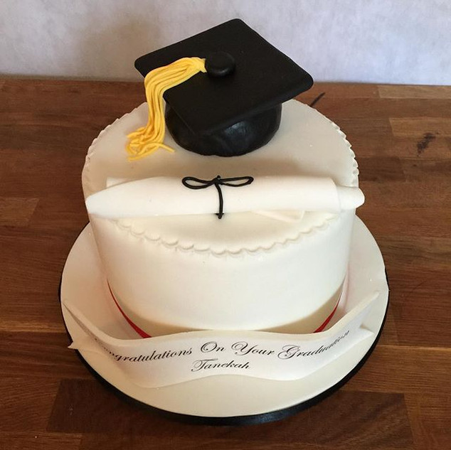 Graduation Hat Cake #sugarcakesco #sugar