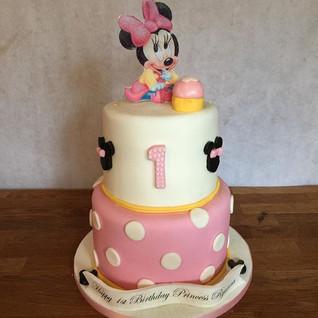 Minnie Mouse Cake #sugarcakesco #cakes #