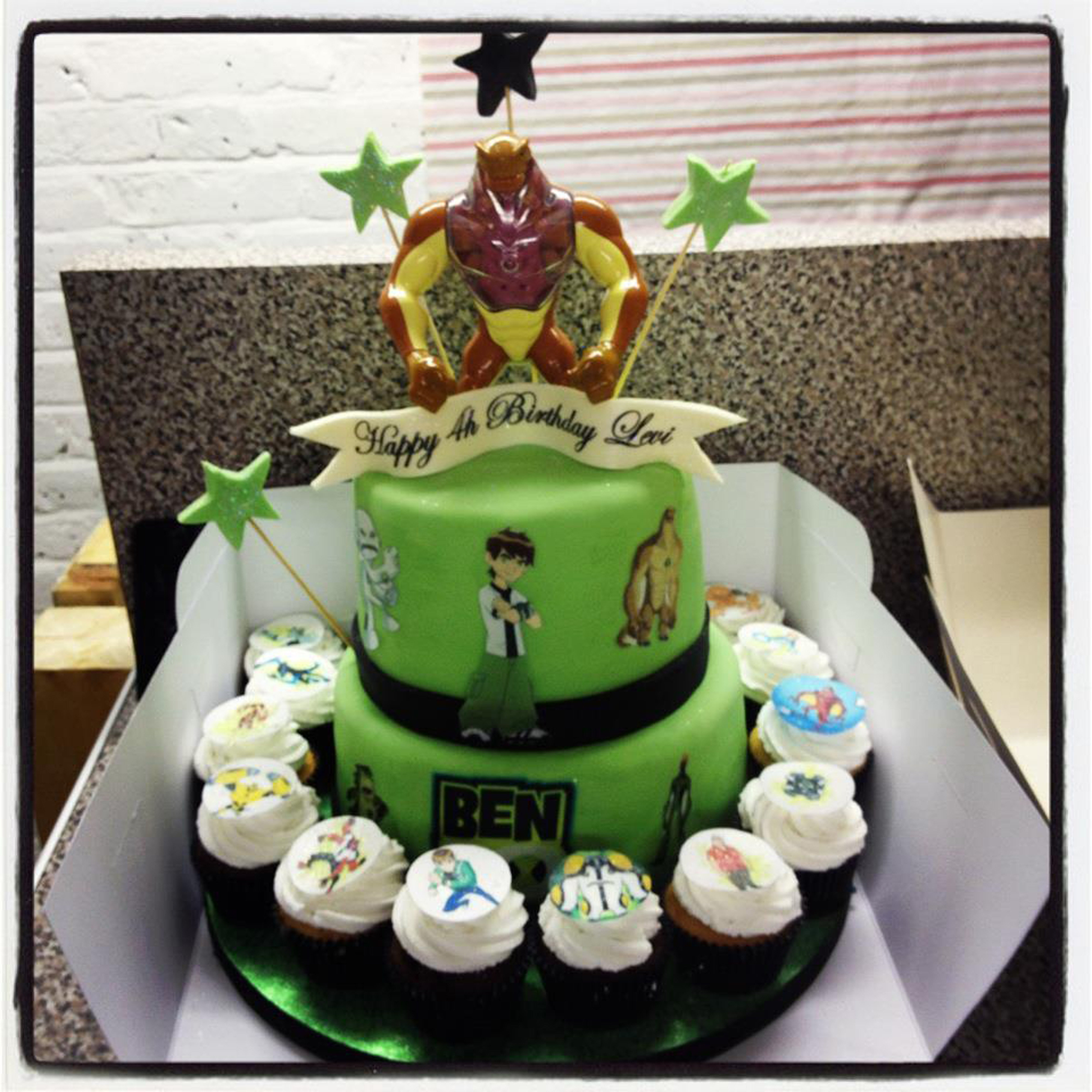 Custom Wedding Cakes Uk