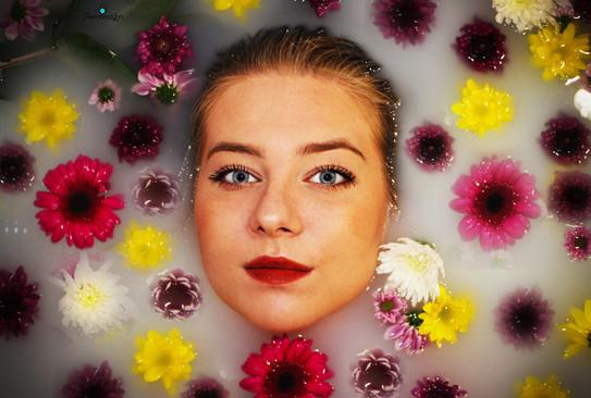 Natalia in the flower bath