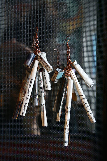 Medium rolled paper earrings