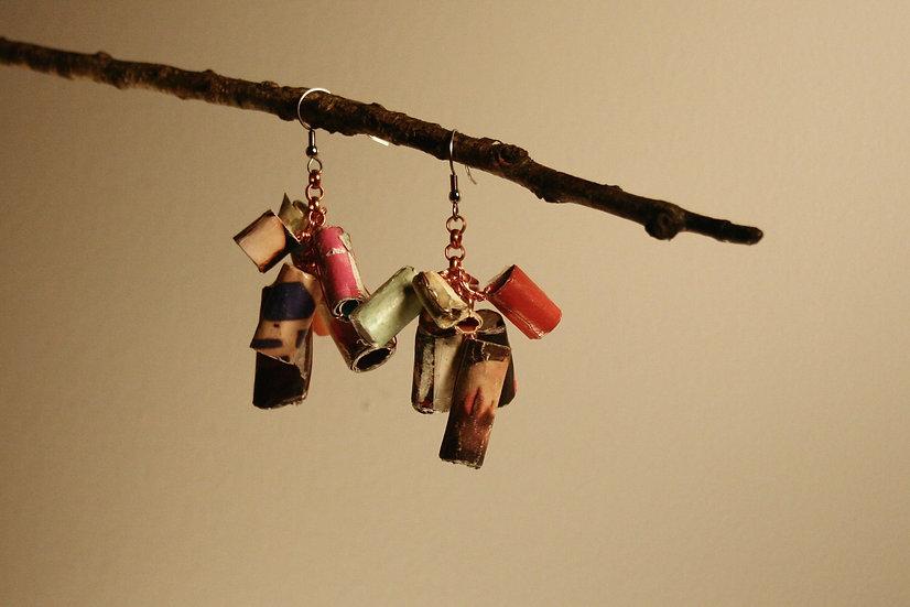 Short rolled paper earrings