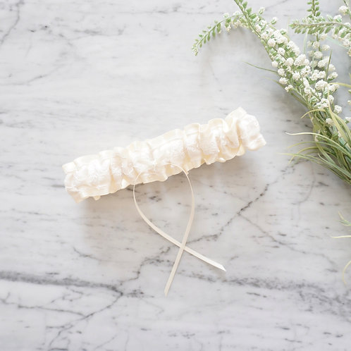 Ivory Embroidery Lace Wedding Garter