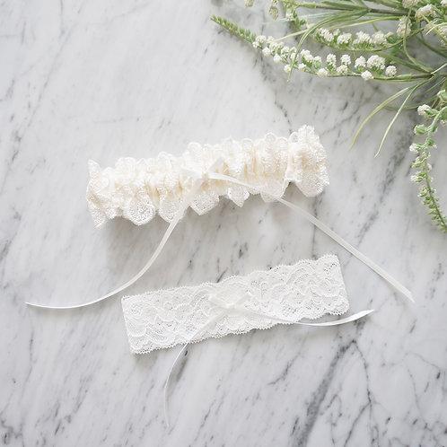 ivory lace wedding garter set