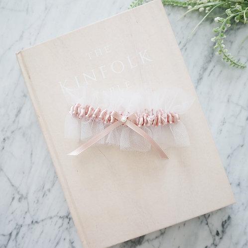 dusty pink bridal garters