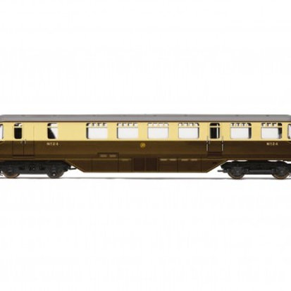 Hornby R3669 GWR AEC railcar 24 in GWR chocolate and cream - Railroad range