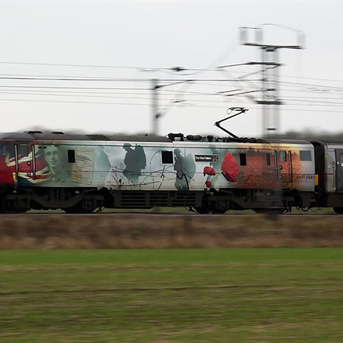 Hornby R3892 Class 91 91111 'For the Fallen' in Virgin Trains East Coast livery