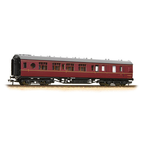 Bachmann 39-461 57 ft ex-LMS 'Porthole' brake second M26782M in BR maroon
