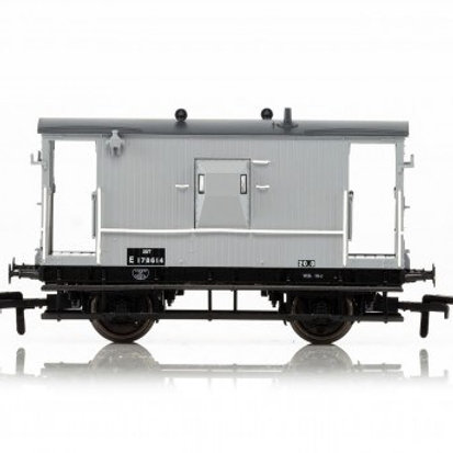 Hornby R6834 LNER 20 ton 'Toad E' brake van E175712 in BR grey