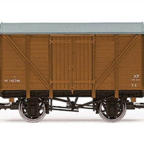 Hornby R60027 12 ton ventilated van W145746 in BR bauxite - Due Aug-21