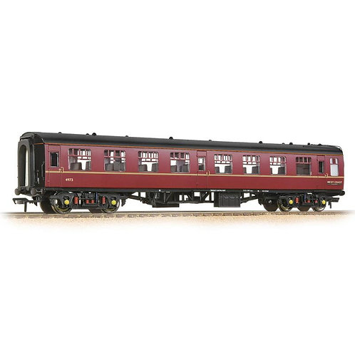 Bachmann 39-059 Mk1 TSO tourist second open 4973 in West Coast Railway maroon