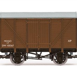 Hornby R60031 12 ton Mogo van DW105567 in BR bauxite - Due Aug-21